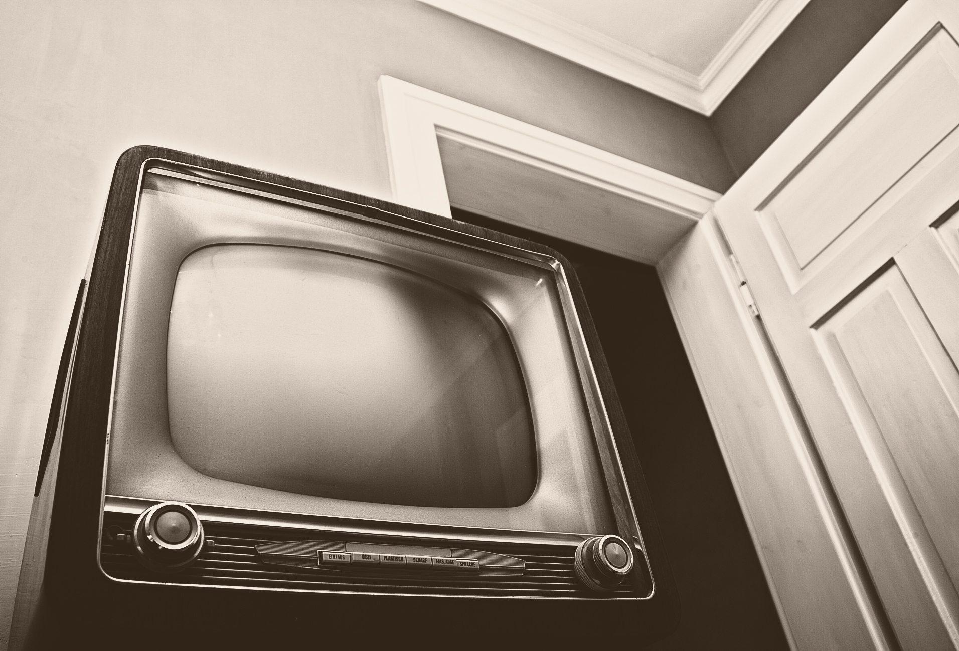 Home Theater - Retro TV